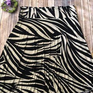 ASHLEY STEWART Black/Cream Maxi Flare Skirt